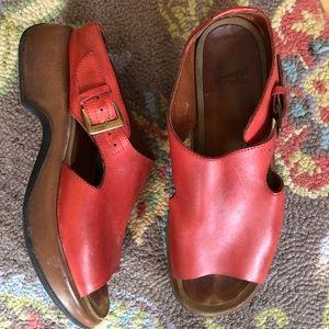 DANSKO red leather sandal/40